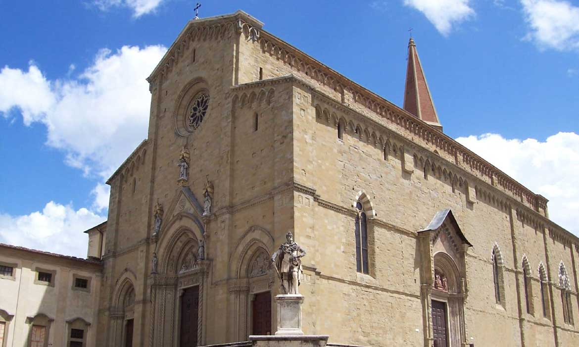 Arezzo church is near Il Pozzo, a luxury villa in Tuscany