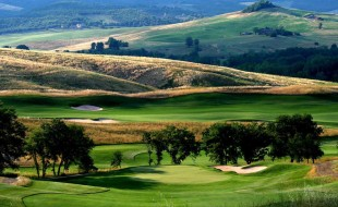 Castiglion del Bosco golf club is near Il Pozzo, a luxury villa in Tuscany