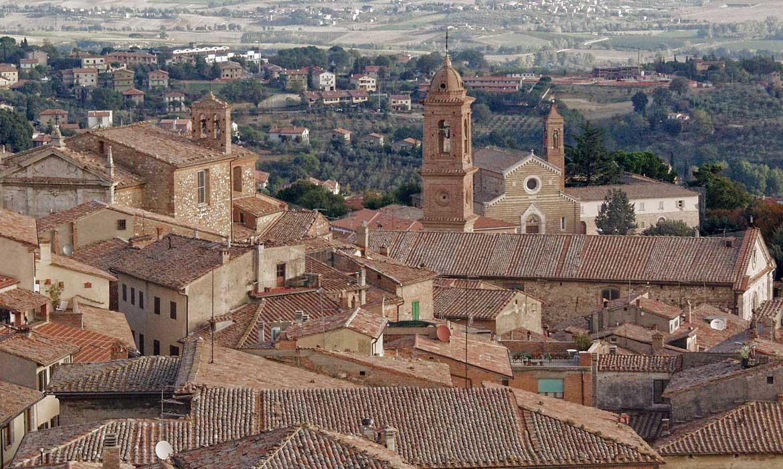 Montepulciano is near Il Pozzo, a luxury villa in Tuscany