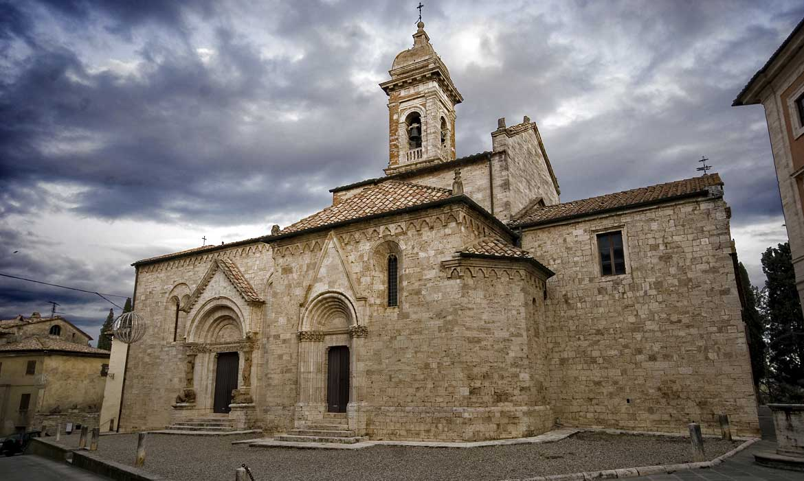 San Quirico church is near Il Pozzo, a luxury villa in Tuscany